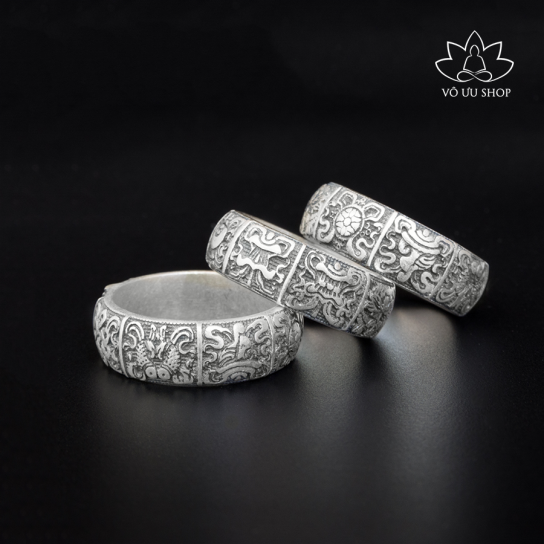 Silver ring engraved Eight Symbols of Good Omen