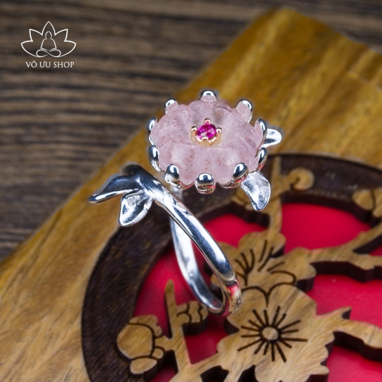 Silver S925 ring with Flower bud made of Strawberry Quartz and Agate
