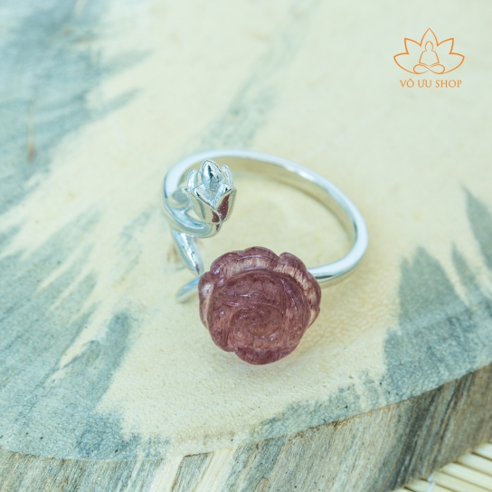 Silver S925 ring with Rose made of Strawberry Quartz